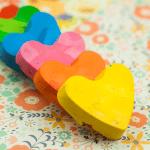 Tutorial: Reciclar ceras de colores con formas divertidas