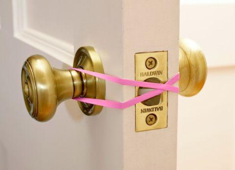 550007aa1ea01-rubber-band-door-stop-new