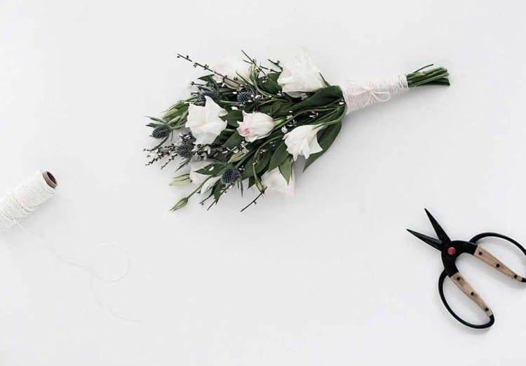 jute-wrapped-flower-bouquet